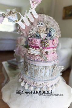 my kind of cake, for sure! No Calories, just eye candy! Altered Boxes, Altered Art, Pink Crafts, Paper Crafts, Crafts To Make, Easy Crafts, Decorated Boxes, Lace Cakes, Cake Boxes