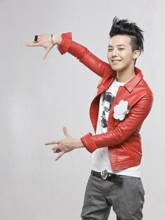 GD. I guess I know why I'm interested in him. somehow he resembles Hyde of L'Arc~en~Ciel, eh?