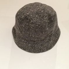 📌PRICE FIRM Vintage Michael Kors Bucket Hat Vintage Michael Kors bucket hat in a grey melange. 100% wool. Made in Italy. Very packable as you can see in photo two. Michael Kors Accessories Hats