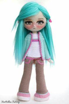 Doll Sewing Patterns, Crochet Doll Pattern, Crochet Art, Doll Clothes Patterns, Crochet Gifts, Cute Crochet, Yarn Dolls, Knitted Dolls, Crochet Dolls