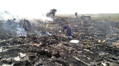 Gruesome Images Of Malaysia MH17 Plane Crash In East Ukraine Appear Online,http://www.eyeopening.info/?p=9459