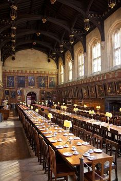 英・オックスフォード大学『ハリー・ポッター』ロケ地でホグワーツの大広間と図書館に興奮! | イギリス | Travel.jp[たびねす]