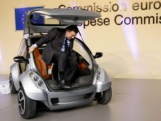 """First fold-up car, Hiriko, unveiled to beat urban stress in EU. The """"Hiriko,"""" the Basque word for """"urban,"""" is an electric two-seater with no doors whose motor is located in the wheels and which folds up like a child's collapsible stroller for easy parking #hiriko"""