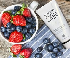BeautyCorner Exfoliation is the key to getting your skin to look brighter! Our refreshing Instant Reveal Berry Scrub will unlock your natural beauty. Have a look at our Herbalife SKIN range, we know you want to.