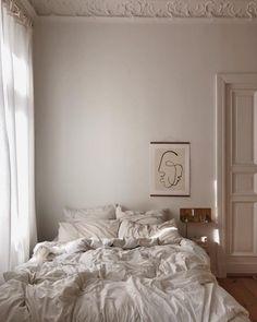 Tips & Tricks To a Mid-Century Bedroom Decor On Point Parisian Bedroom Decor, Bedroom Inspo, Bedroom Inspiration, Narrow Bedroom, Decor Scandinavian, Cute Dorm Rooms, Style Deco, Aesthetic Bedroom, Book Aesthetic