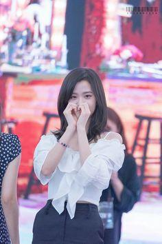 jisoo❤ K Pop, South Korean Girls, Korean Girl Groups, Lisa, Young Actresses, Blackpink Jisoo, Kim Jennie, The Most Beautiful Girl, Celebs