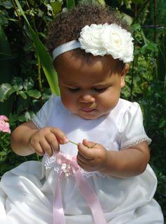 Sötaste Melody i vår dopklänning Princess och lyxigt rosdiadem. Grace of Sweden