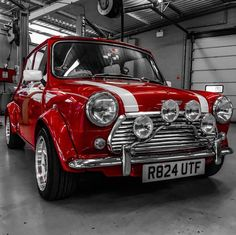 Classic Mini With 360 Horsepower Redefines Pocket Rocket - Mini Owners Club Mini Cooper S, Mini Cooper Classic, Classic Mini, Retro Cars, Vintage Cars, My Dream Car, Dream Cars, Austin Mini, Mini Morris