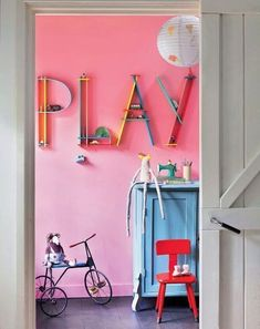 kids room great colors - love the dual purpose shelves.