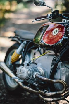 Within seconds of a certain 1993 BMW R80 being listed on Gumtree, Ano was on the phone to the owner claiming dibs on the machine. After years of dreaming and planning an Airhead build, these ideas were about to become a reality.