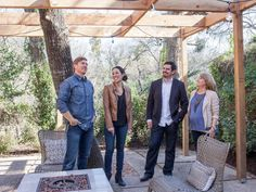 As seen on Fixer Upper, Chip and Joanna Gaines and the Barrett family talk about the functionality of the backyard. Joanna Gaines Style, Chip And Joanna Gaines, Ranch Exterior, Renovation Budget, Ranch Remodel, Modern Pictures, Magnolia Homes, Southwestern Style, Metal Roof