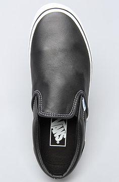 Vans Leather Sneaker in Black