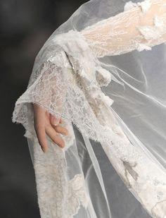 lamorbidezza:  Elie Saab Haute Couture Fall 2008 Details
