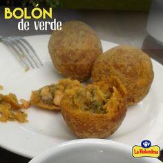 Hoy estamos con antojos típicos ecuatorianos! Preparemos unos boloncitos con el ¡toque exquisito de nuestro #QuesoCriollo La Holandesa! Cuéntanos qué tal te quedaron ;) #queso #cheese #cheeserecipes #ecuadorianrecipes