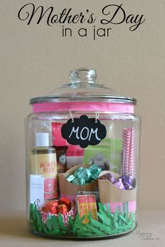 DOING THIS! Mother's Day In A Jar - such an easy way to customize a gift for mom with all the things she loves. Gifts In A Jar from Hello Splendid
