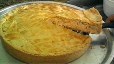 Recipe chicken pie with shortcrust pastry - All Hot No Salt Recipes, Cooking Recipes, Quiches, Good Food, Yummy Food, Shortcrust Pastry, Portuguese Recipes, Empanadas, Food Porn
