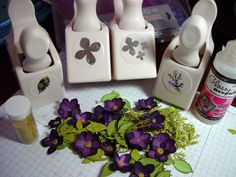 Nice tutorial on these little flowers.#Repin By:Pinterest++ for iPad#