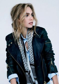 leather jacket+ bijoux #streetstyle #bijoux