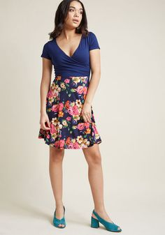 Botanical Breakfast Floral Dress in Navy Blossoms - Whether you decide on blueberry oatmeal or waffles at the garden's cafe, you already made a stylish choice in this navy-blue dress. Boasting a wrap top, softly gathered details, and a colorful floral skirt, this breezy frock is as beautiful as the blooms that surround you! Peach Oatmeal, Blueberry Oatmeal, Dress Skirt, Wrap Dress, Velvet Pants, Summer Skirts, Navy Blue Dresses, Frocks, My Style