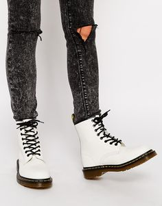 Dr Martens Modern Classics White Smooth 1460 8-Eye Boots