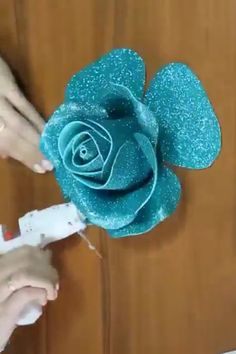 How to Make Fancy Flowers ? - basteln - - How to Make Fancy Flowers ? Paper Flowers Craft, Flower Crafts, Diy Flowers, Fabric Flowers, How To Make Flowers Out Of Paper, Diy Home Crafts, Diy Arts And Crafts, Creative Crafts, Diy Para A Casa