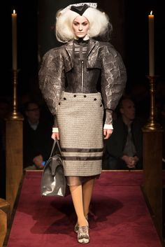 Thom Browne Fall 2014 Ready-to-Wear Collection - Vogue Couture Fashion, Fashion Show, Fashion Looks, Fashion Outfits, Runway Fashion, Women's Fashion, Chemise Dress, 2014 Fashion Trends, Bustle Dress
