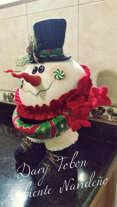 Homemade Christmas Decorations, Snowman Decorations, Christmas Crafts For Kids, Xmas Crafts, Christmas Snowman, Diy And Crafts, Christmas Ideas, Christmas Mantels, Christmas Snowflakes
