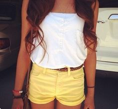 such a cute outfit! love the yellow shorts. Spring Summer Fashion, Spring Outfits, Summer 3, Spring Style, Mode Shorts, Teen Fashion, Fashion Outfits, Fashion Ideas, Ladies Fashion