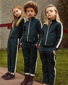 Showroom multibrand kids&womenswear Milano Facebook/rasishowroom Pinterest/rasishowroom showroom@rasi.it T+39024812312