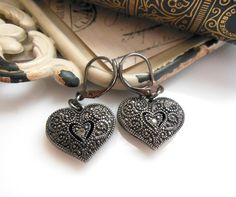 Retro Dark Gunmetal Silver Gray Marcasite Victorian Heart Dangle Earrings QQ50