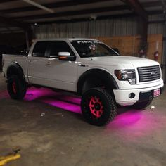 hate the truck but this would be sick for a jeep Jacked Up Trucks, Cool Trucks, Big Trucks, Pink Lifted Trucks, Ford Girl, Chevy Girl, Jeep Truck, Chevy Trucks, Barbie Truck
