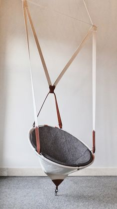 Suspender chair