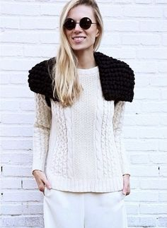 Over my shoulder | Knitting Kit | WOOL AND THE GANG