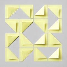 16 Post-it notes.