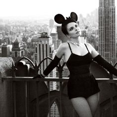 Tina Fey for Vogue, March 2010 - Empire State Bldg in background. Helmut Newton, Lumpy Space Princess, Michelle Dockery, Celebrity Photography, Amy Poehler, Tina Fey, Glamour, Sandra Bullock, Celebs