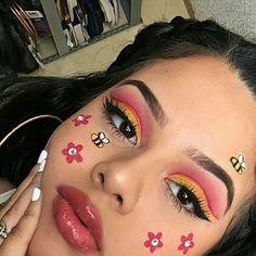 honey bee makeup - Prom Makeup Looks Makeup Eye Looks, Eye Makeup Art, Colorful Eye Makeup, Crazy Makeup, Pretty Makeup, Eyeshadow Makeup, Drugstore Makeup, Eyeshadow Palette, Makeup Trends