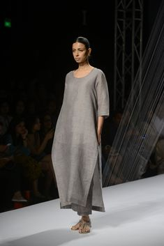 All the Looks From Anavila Misra  at Amazon India Fashion Week Spring/Summer 2016 -cosmopolitan.in