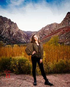 The beautiful Nevada desert is a gorgeous location for Senior portraits! www.thestudion.com/blog