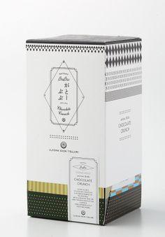 お茶とお米がスイーツで出逢った「がとーぶぶ」第2弾!ザクザク食感とお茶の濃厚な風味のチョコクランチ、1月8日新発売! 祇園辻利のプレスリリース Japanese Packaging, Tea Packaging, Brand Packaging, Packaging Design, Branding Design, Cosmetic Packaging, Packing Box Design, Japanese Graphic Design, Japan Design