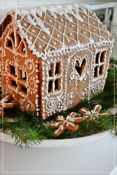 Pretty little gingerbread house!