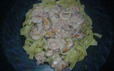 """750g vous propose la recette """"Tagliatelles aux fruits de mer"""" notée 4/5 par 72 votants. Bon Appetit, Cabbage, Cooking Recipes, Pasta, Chicken, Vegetables, Food, Mousse, Seafood Pasta"""