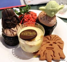 Dessert plate at the Star Wars Jedi Mickey Character Dining Meal! #StarWars