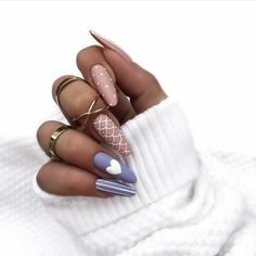 Shared by Find images and videos about beauty, blue and nails on We Heart It - the app to get lost in what you love. Fabulous Nails, Perfect Nails, Stylish Nails, Trendy Nails, Romantic Nails, Xmas Nails, Fire Nails, Minimalist Nails, Best Acrylic Nails