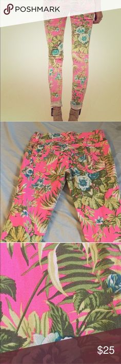 "UO Tripp Nyc Pink Paradise Flower Jeans Printed skinny stretch jeans. 25"" waist and 32"" inseam. Pair with a white t-shirt and simple shoes for a casual summer look. Urban Outfitters Jeans Skinny"