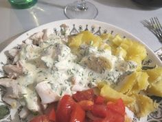 Biscotista pottuvoihin: Tillikastike kalalle Ihana ja yksinkertainen kalaruoka! Biscotti, Potato Salad, Potatoes, Ethnic Recipes, Food, Eten, Potato, Meals, Diet