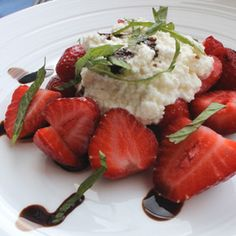 Strawberries with ricotta and balsamic reduction
