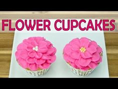▶ Piping Buttercream Icing Flowers on Cupcakes by Cookies Cupcakes and Cardio - YouTube