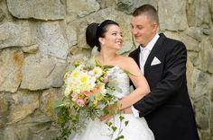 Anglická svadobná kytica z anglických ruží Wedding Dresses, Fashion, Bride Dresses, Moda, Bridal Gowns, Fashion Styles, Wedding Dressses, Bridal Dresses
