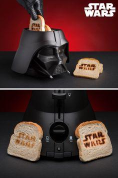 Star Wars Darth Vader Toaster - das imperialste Küchengerät der Galaxie! Der Star Wars-Toaster rettet Dein Frühstück und das in Form von Darth Vaders Kopf. Mega Geschenkidee und Must-Have für alle Star Wars Fans. Damit holst du Deine Küche auf die dunkle Seite der Macht. Darth Vader Toaster, Star Wars Darth Vader, Stars, Galaxies, Christmas Presents, Reading, Sterne, Star