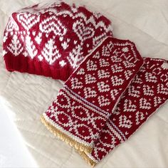 12545523_578210725662540_1481219059_n_small2 Mittens Pattern, Knit Mittens, Knitted Hats, Heart Tree, Fair Isle Knitting, Yarn Crafts, Knitting Projects, Fingerless Gloves, Barn